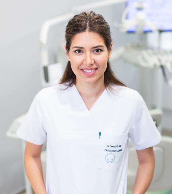 Ortodonti Uzmanı Dr. Deniz Çelakıl